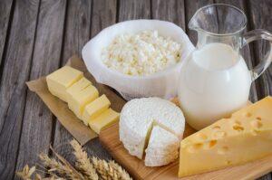 Latte-e-latticini-nella-piramide-alimentare